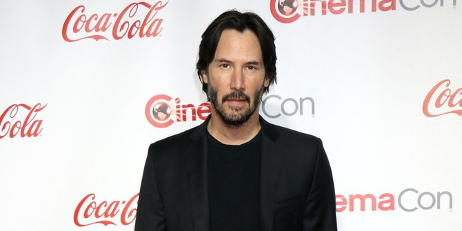 The Plane That Was Boarded Landed in an Emergency, Keanu Reeves Became a Hero